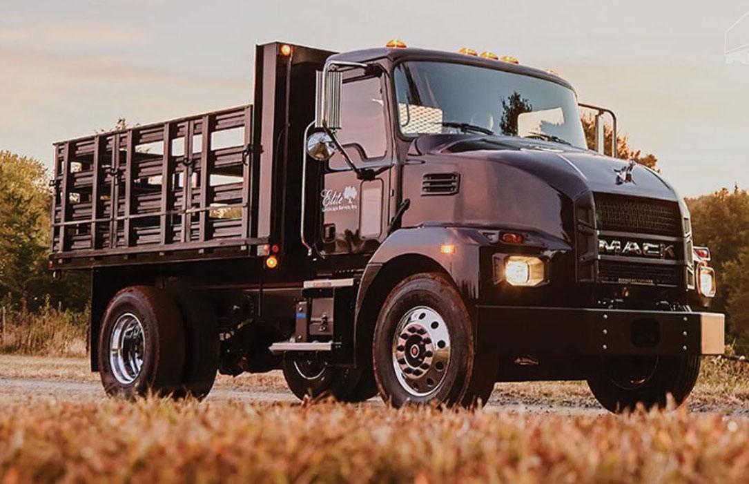 Серийное производство грузовиков серии Mack MD 2