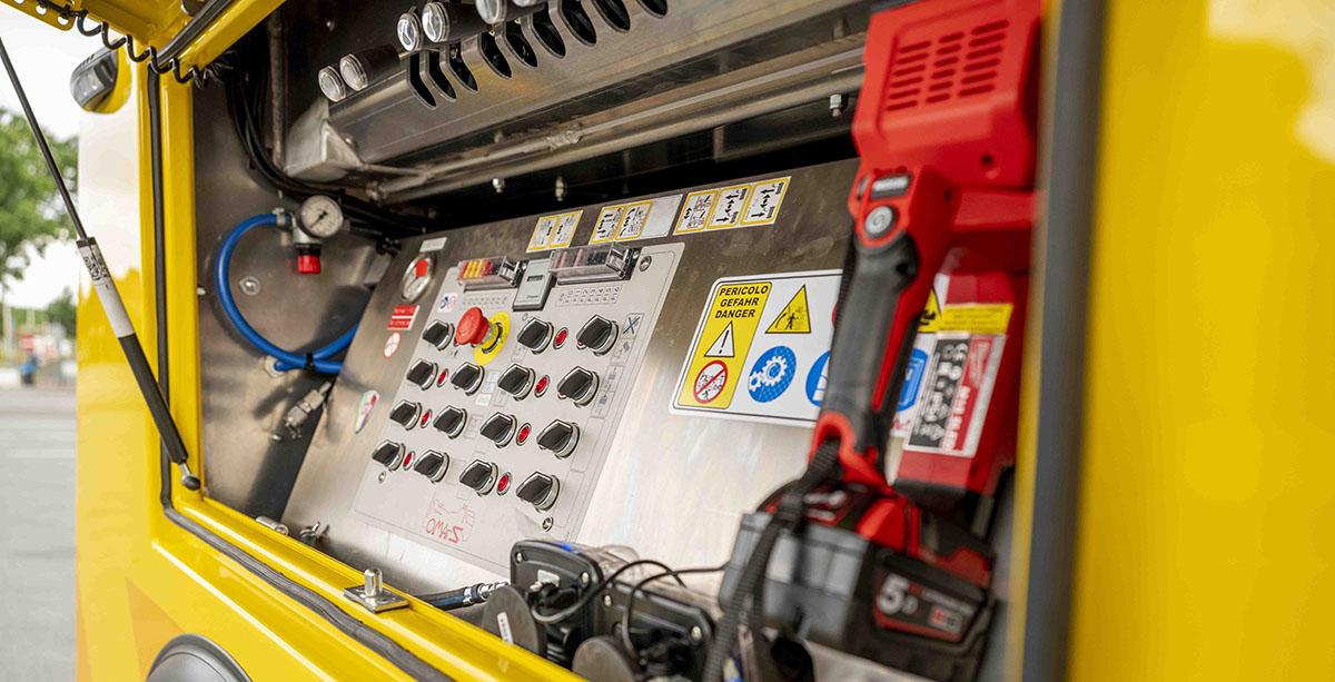 Тяжелый эвакуатор на шасси Renault Trucks 6