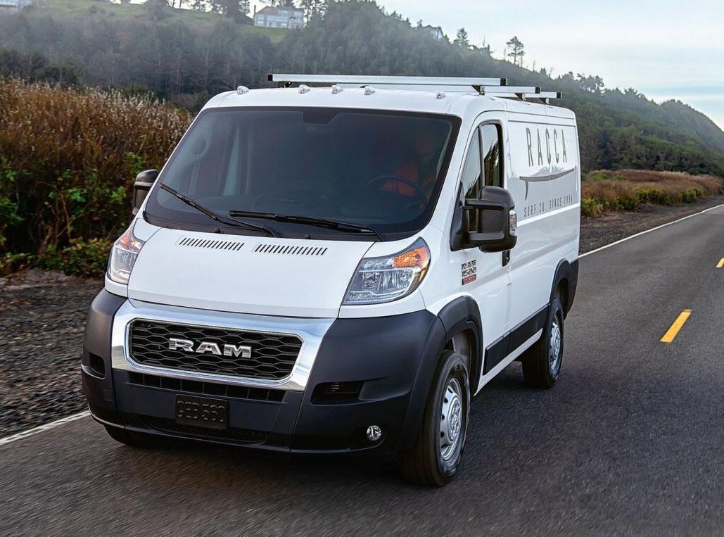 В ожидании беспилотного фургона Ram ProMaster