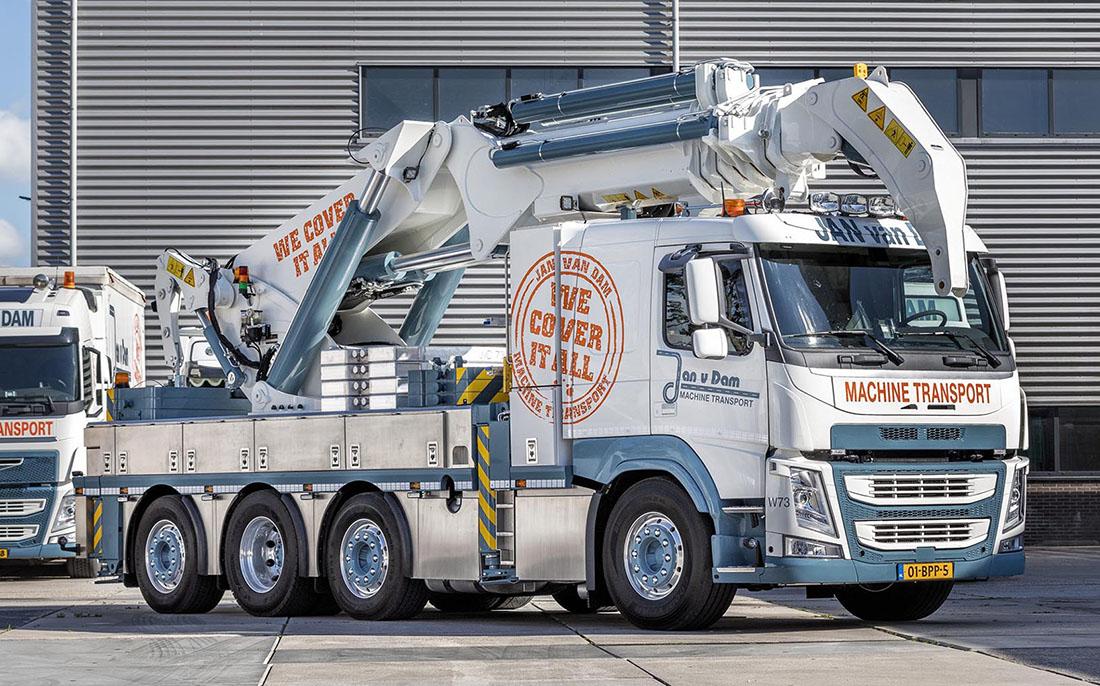 Специальный Volvo для Ван Дама