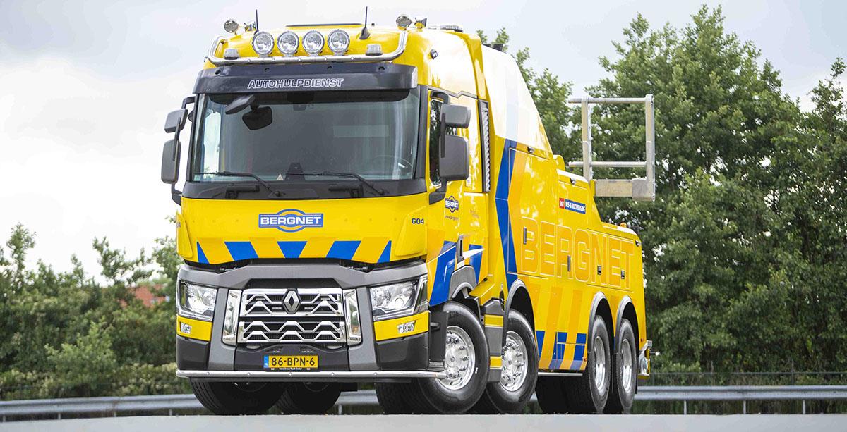 Тяжелый эвакуатор на шасси Renault Trucks 2