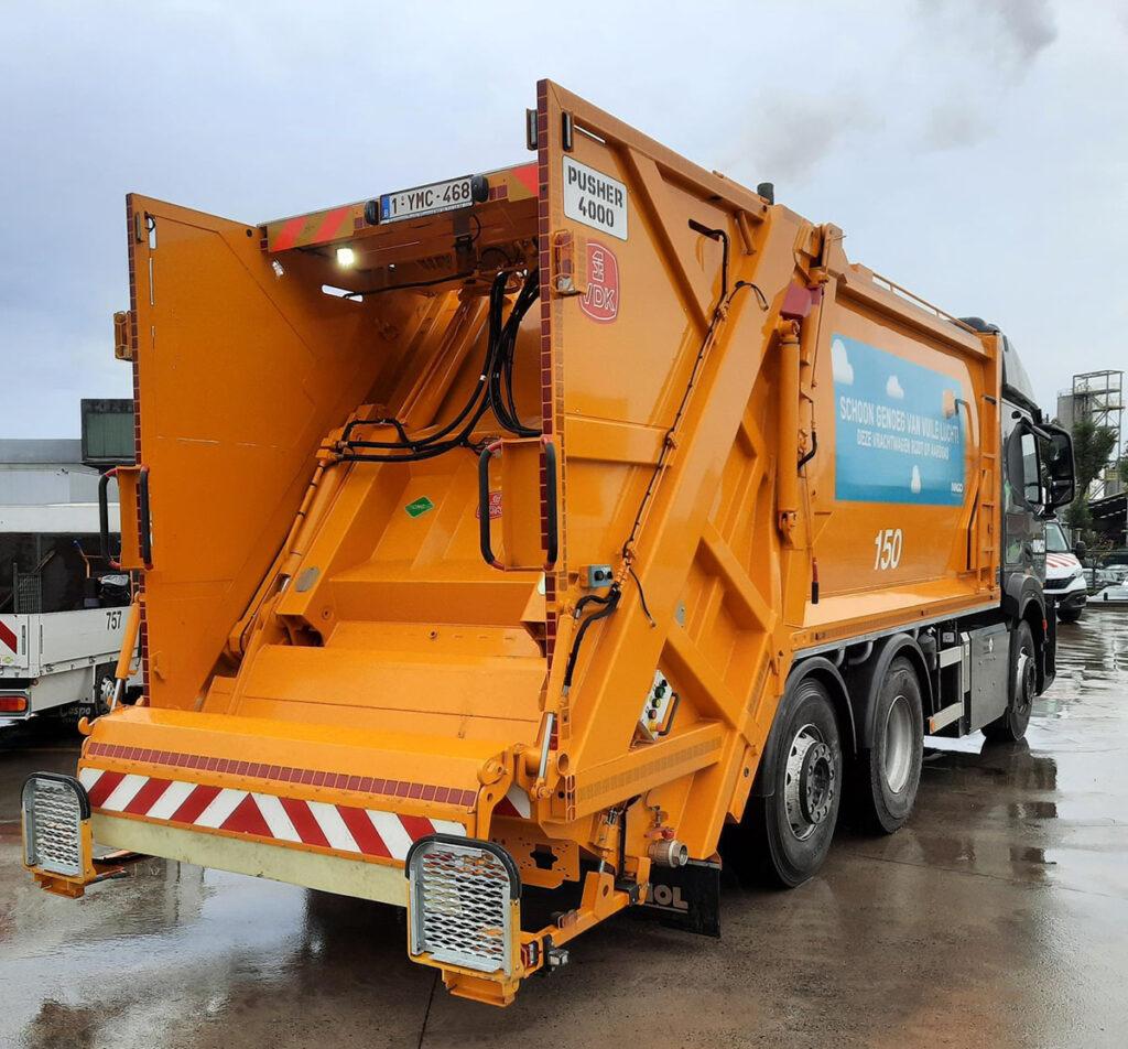В Бельгии появились мусоровозы Iveco S-Way и с узкой кабиной 3