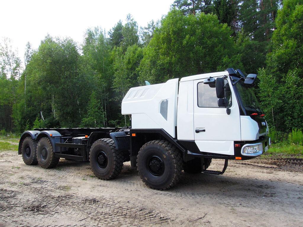 70-тонный автокран «Галичанин» на новом шасси МЗКТ 3