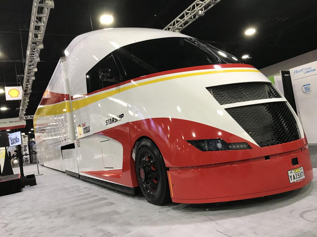 Транспортное средство под названием Starship (Звездолет) 3