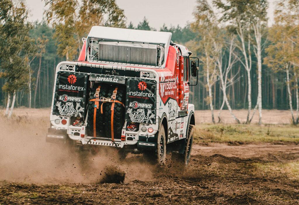 На Дакаре обнаружился грузовик Praga V4S 3