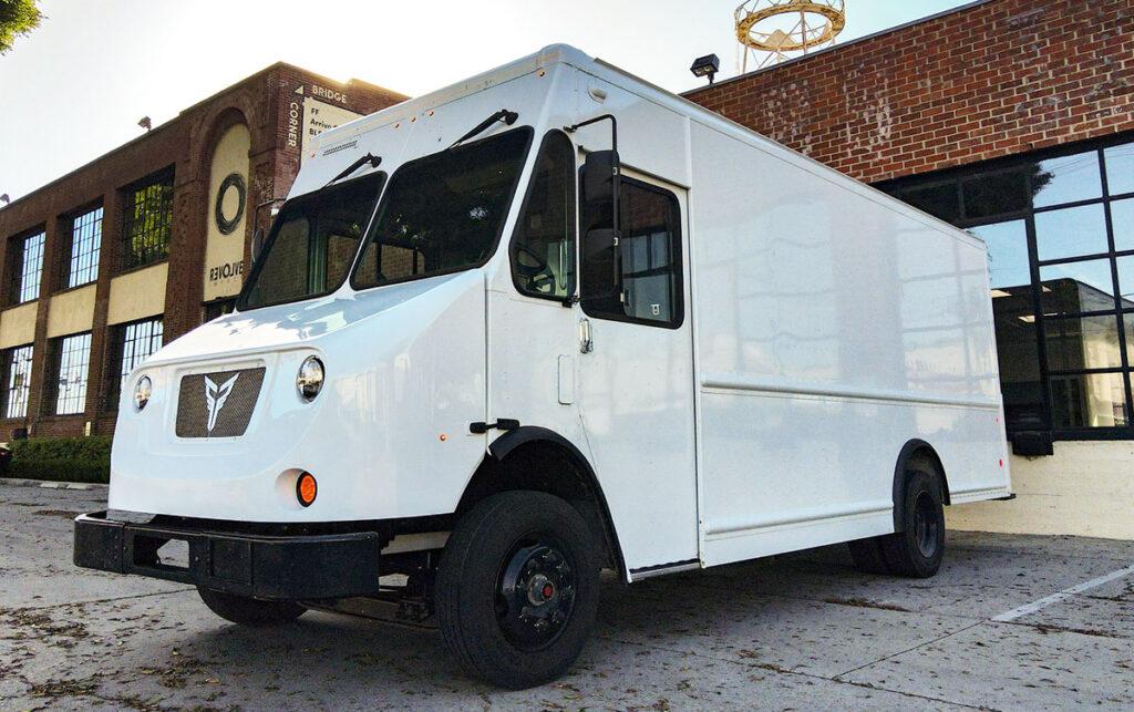 XOS выпустит 100 электрических грузовиков 3