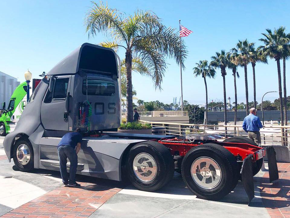 XOS выпустит 100 электрических грузовиков 4