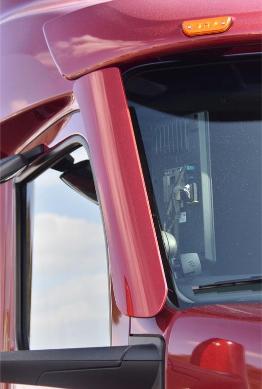Peterbilt представляет новую модель магистрального тягача Model 579 7