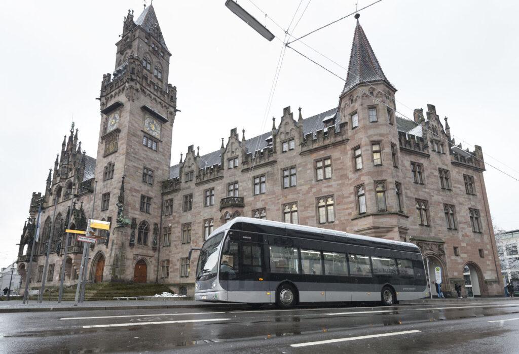 Автобус за 700 000 евро