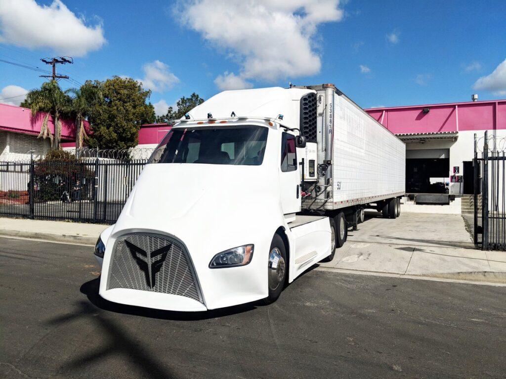 XOS выпустит 100 электрических грузовиков