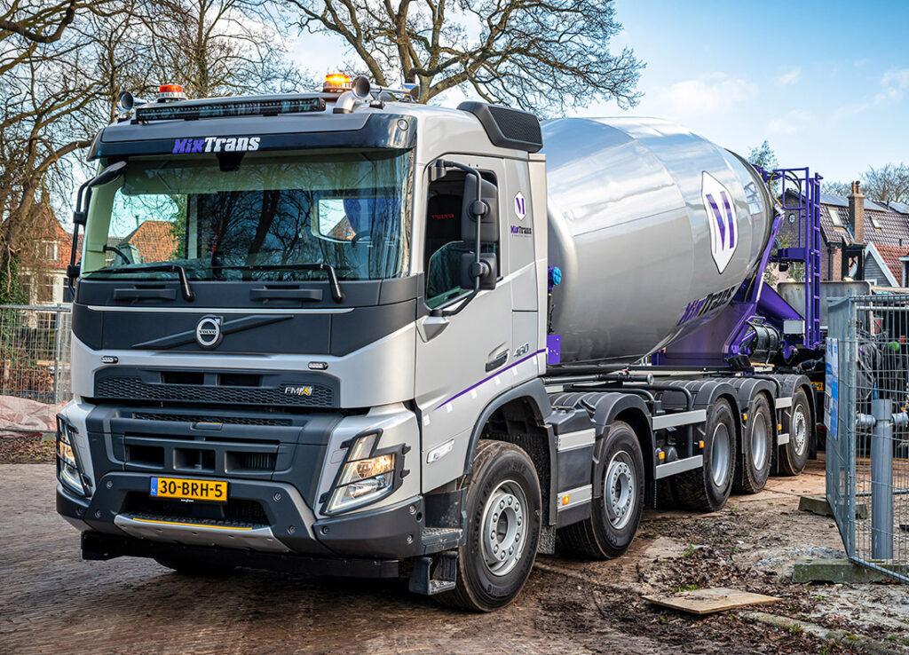 Новый Volvo FMX уже приступил к работе
