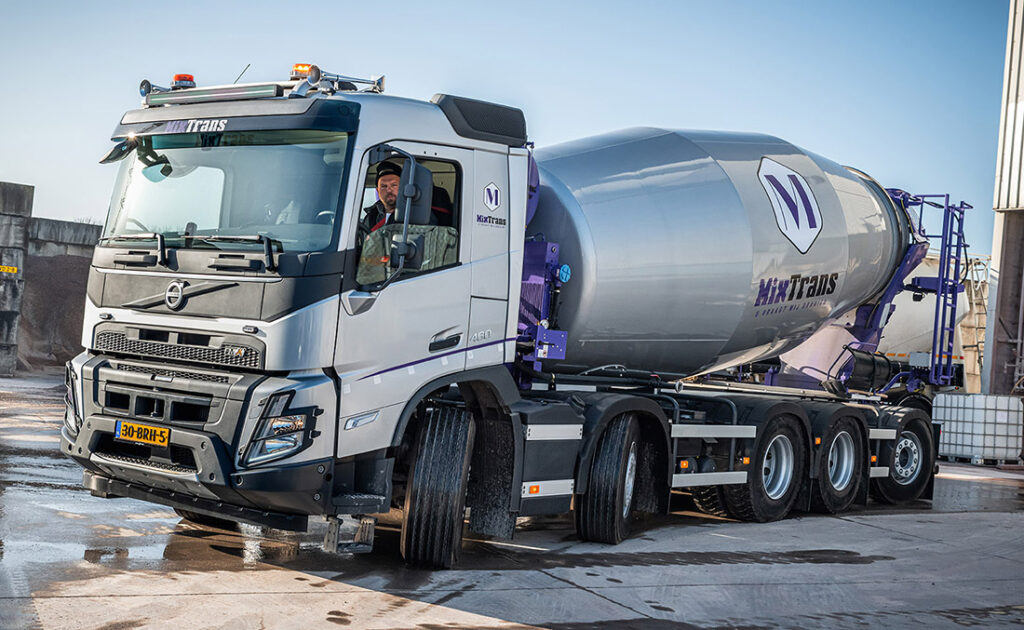 Новый Volvo FMX уже приступил к работе 4
