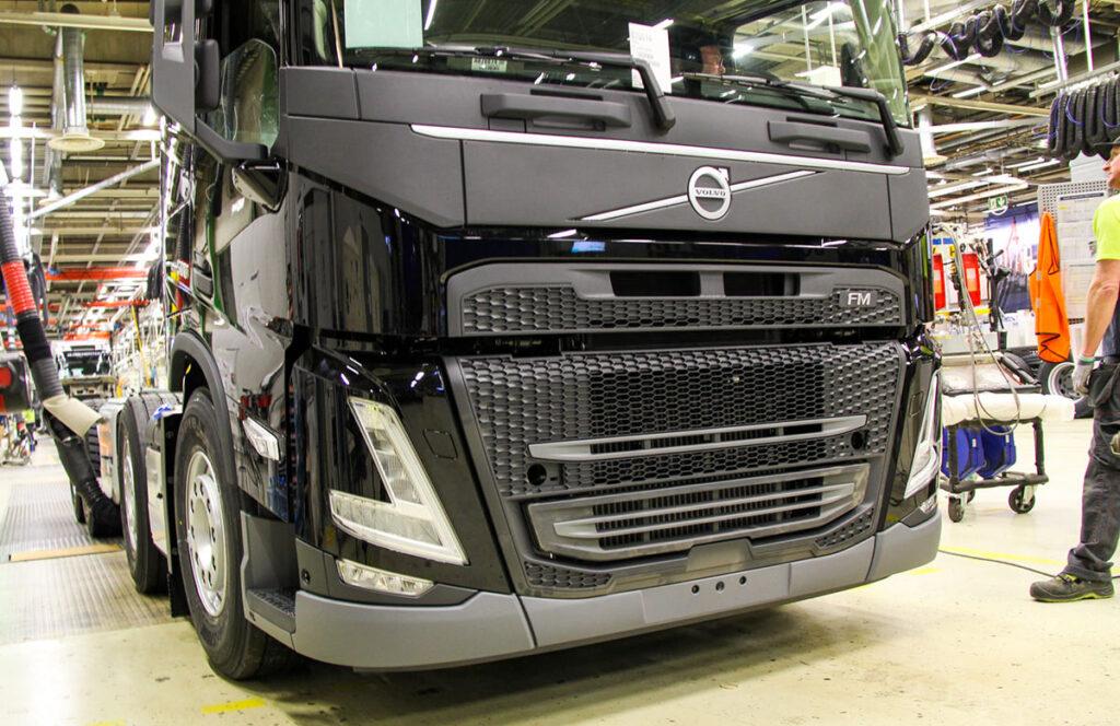 Началось серийное производство новых моделей Volvo FH и FM 2
