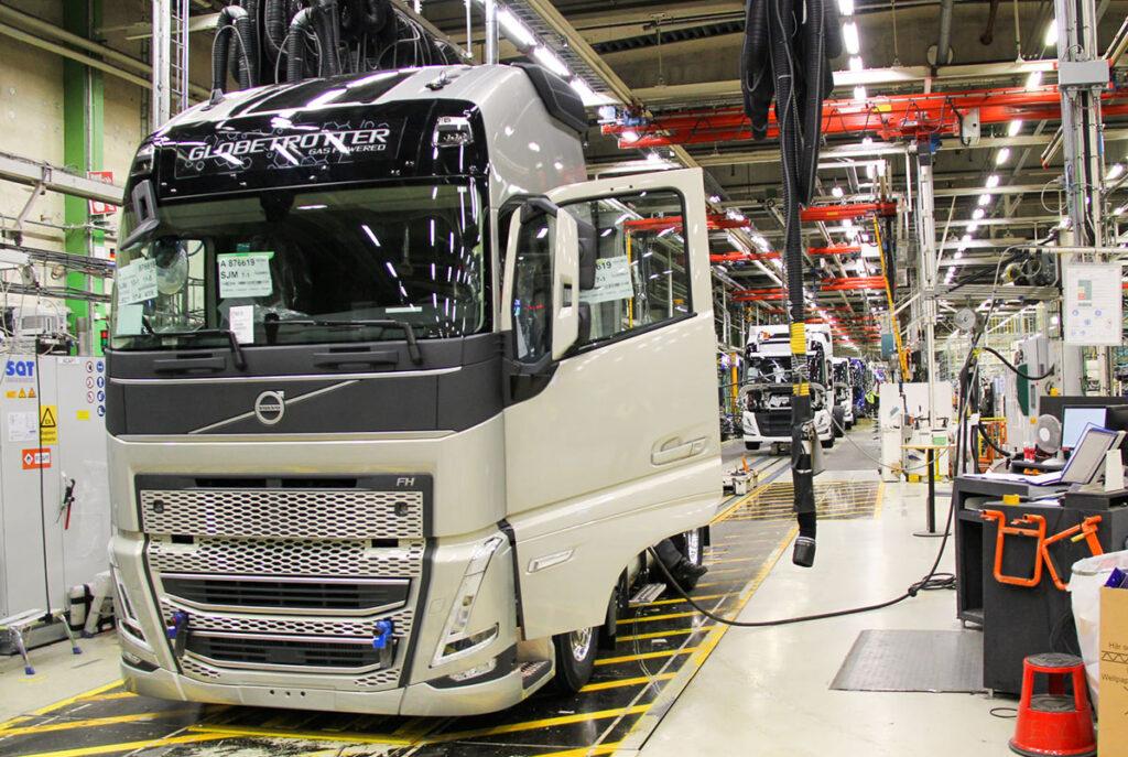 Началось серийное производство новых моделей Volvo FH и FM