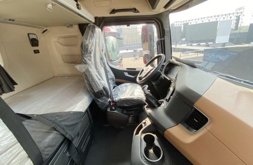 Китайский грузовик класса Hi End 4