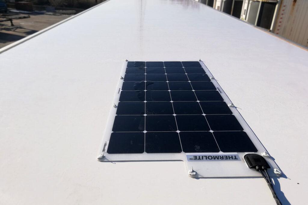 К холодильнику Thermo King добавили солнечные панели 2