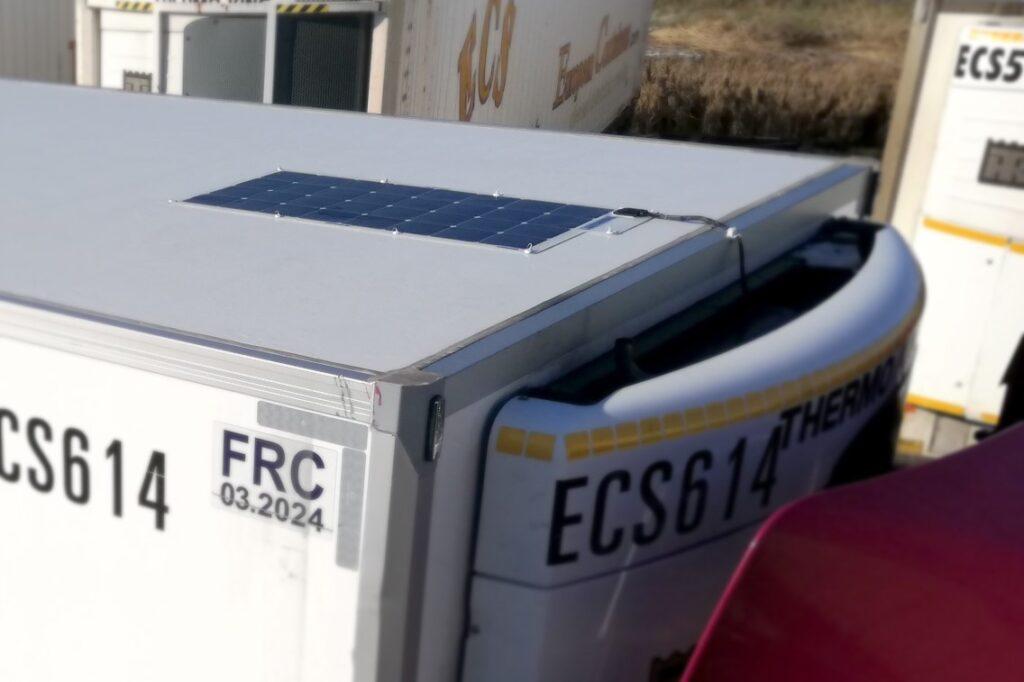 К холодильнику Thermo King добавили солнечные панели 3