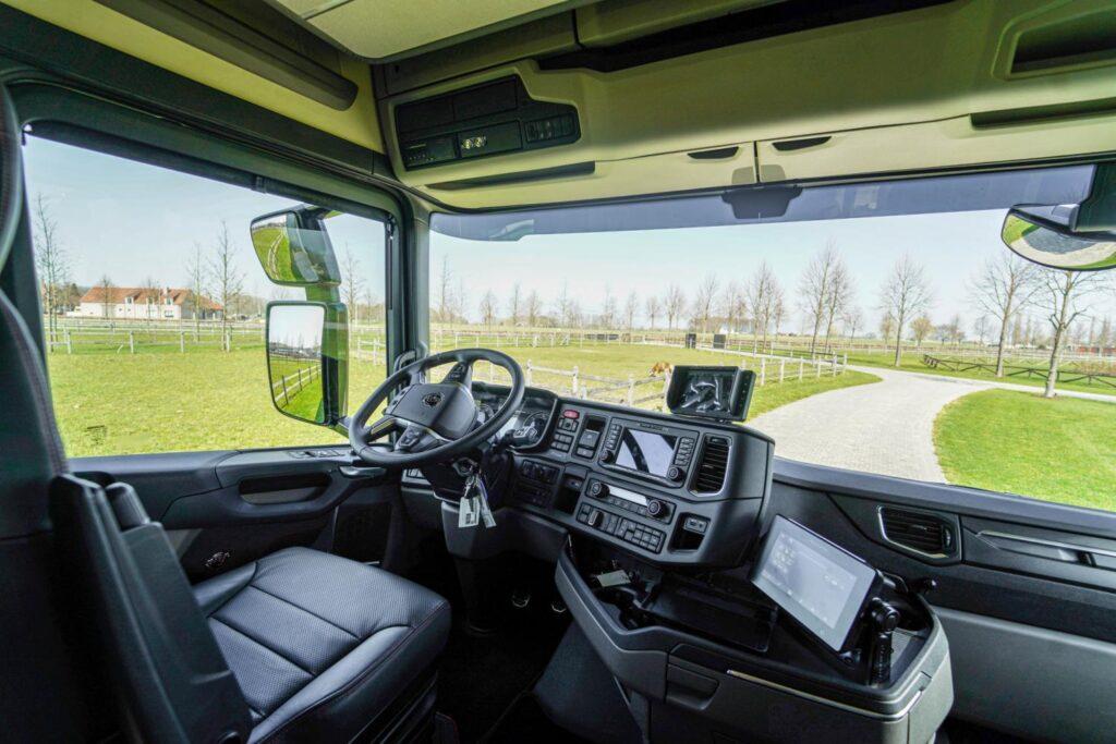 Комфортабельный дом на колесах грузовика Scania 3