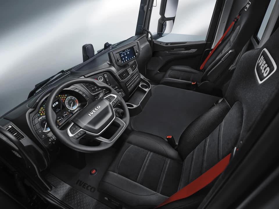 Iveco Trakker кабина 2