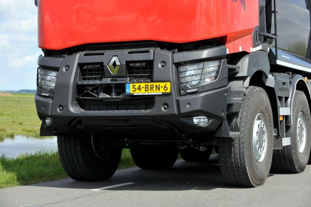 Renault K впервые в варианте 50-тонного самосвала 5