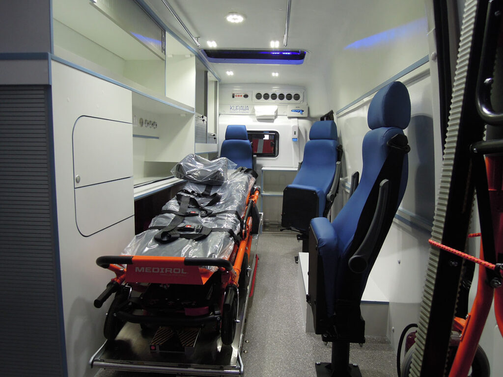 Автомобиль скорой медицинской помощи МАЗ-КУПАВА-233150_2