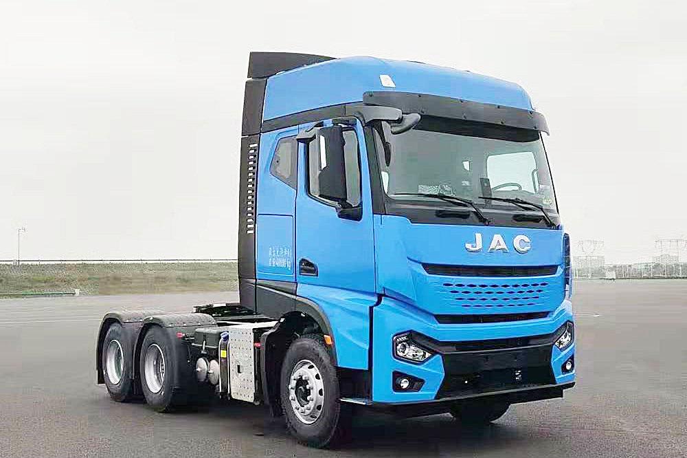 Новый седельный тягач JAC