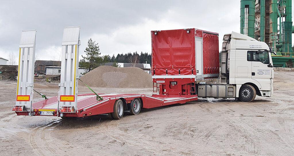 Полуприцеп для перевозки грузовиков и их ремонта 5