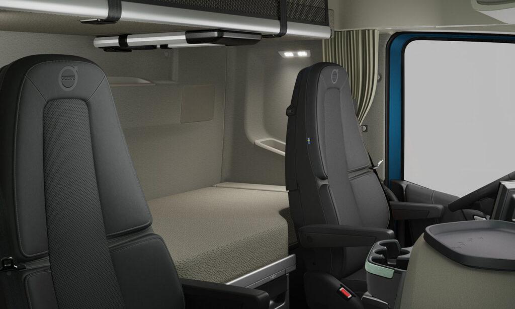 Volvo FH16 в очень «железном» варианте кабина