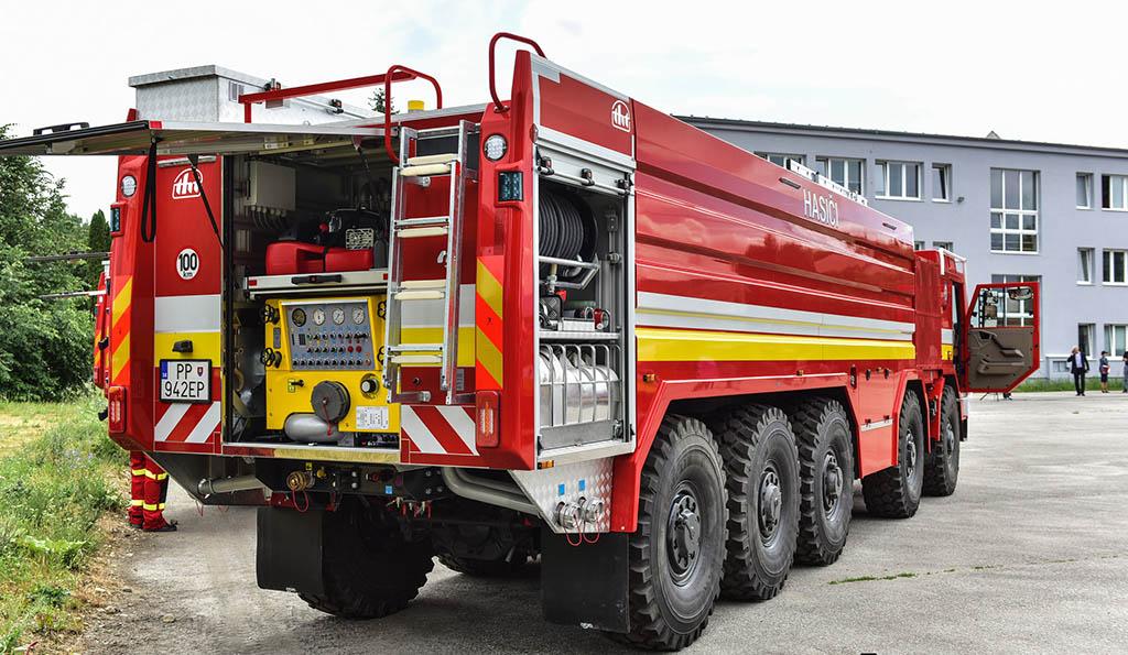 пожарный грузовик TATRA T815-7 10x10_1