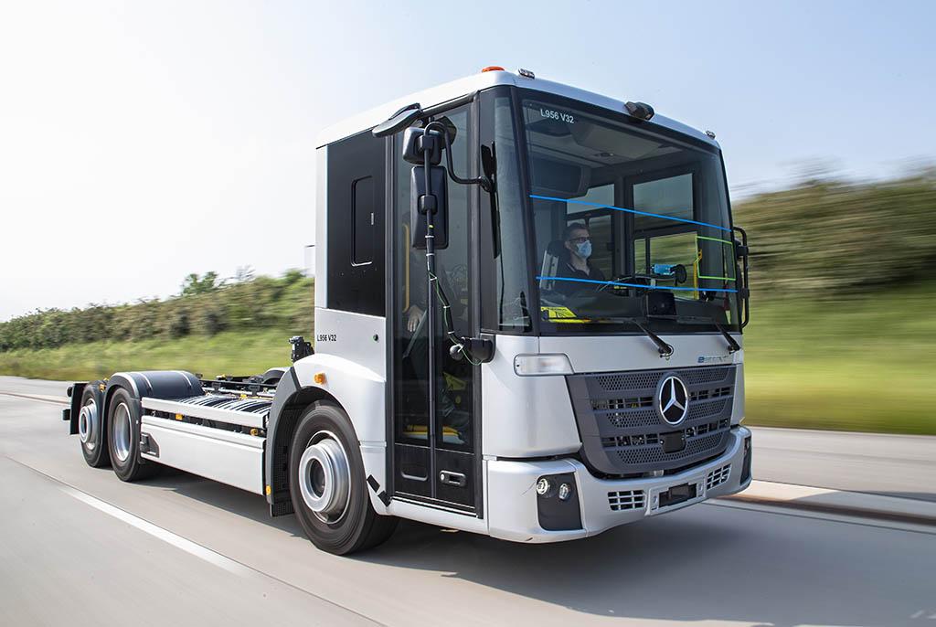 Mercedes-Benz начал испытания электрического eEconic_а