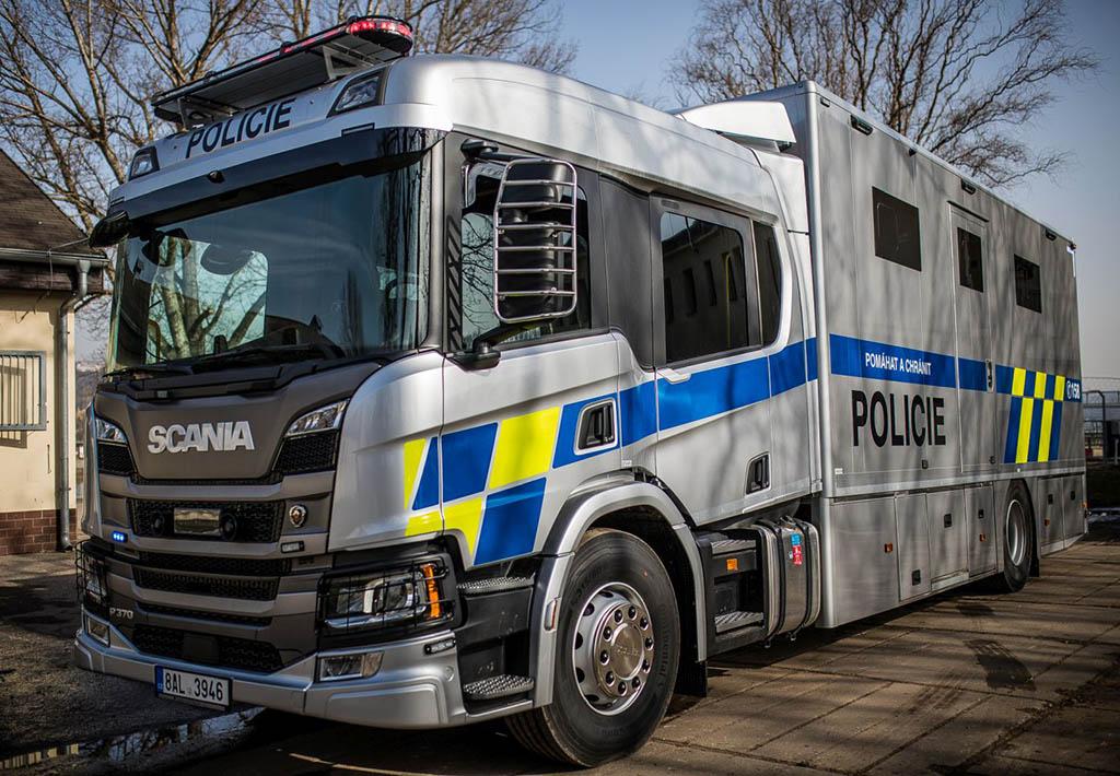 Полицейский грузовик Scania P370