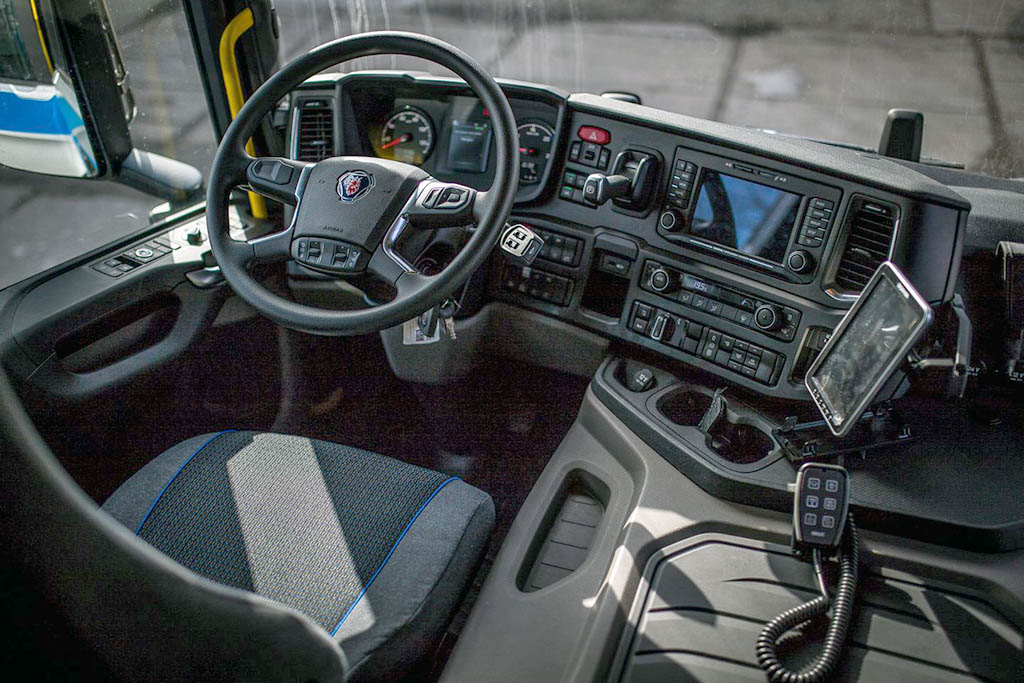 Полицейский грузовик Scania P370_2