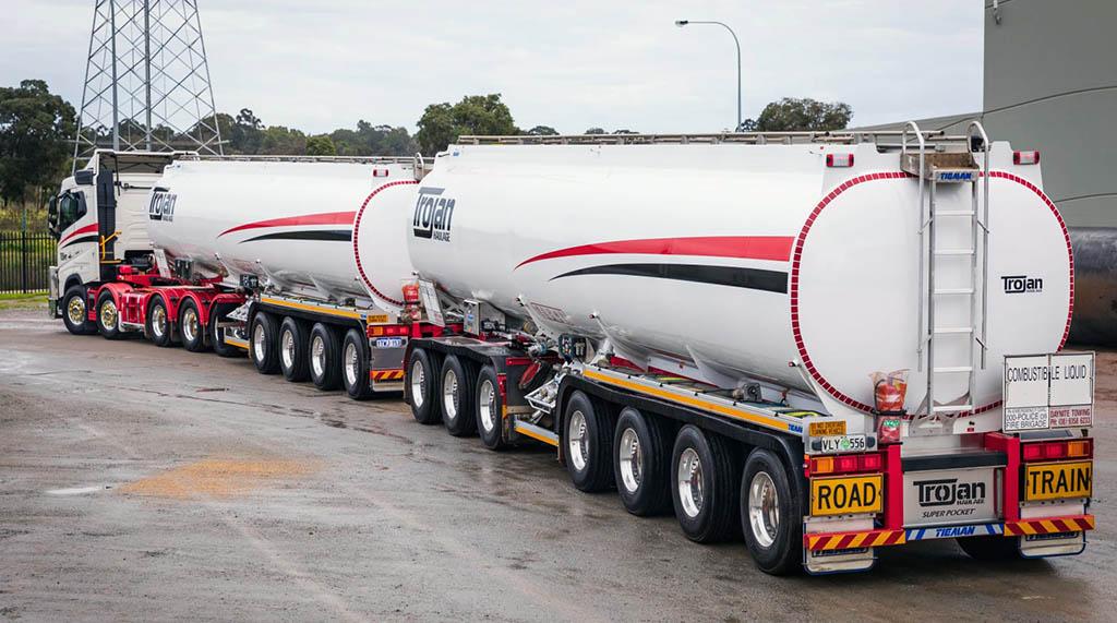 27,5-метровый австралийский автопоезд «Super Pocket»_1