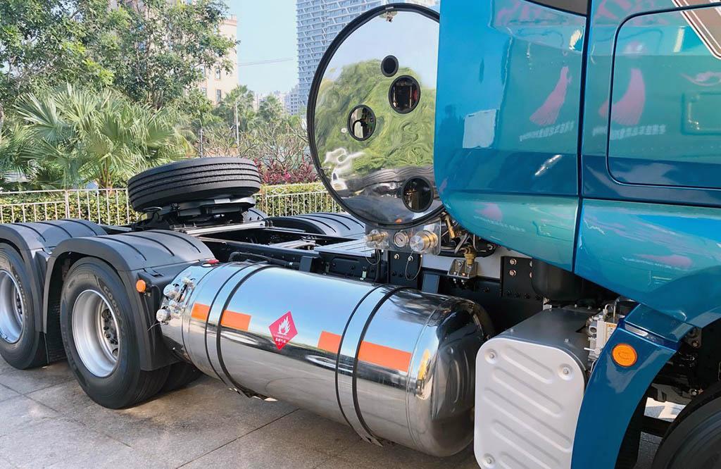 седельный тягач FAW J7 470 6X4 LNG AMT_2