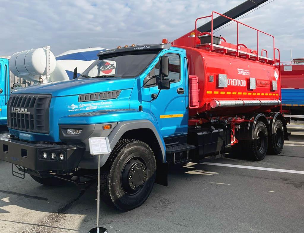 Автотопливозаправщик АТЗ-17-3Б на шасси Урал 73945-01 NEXT