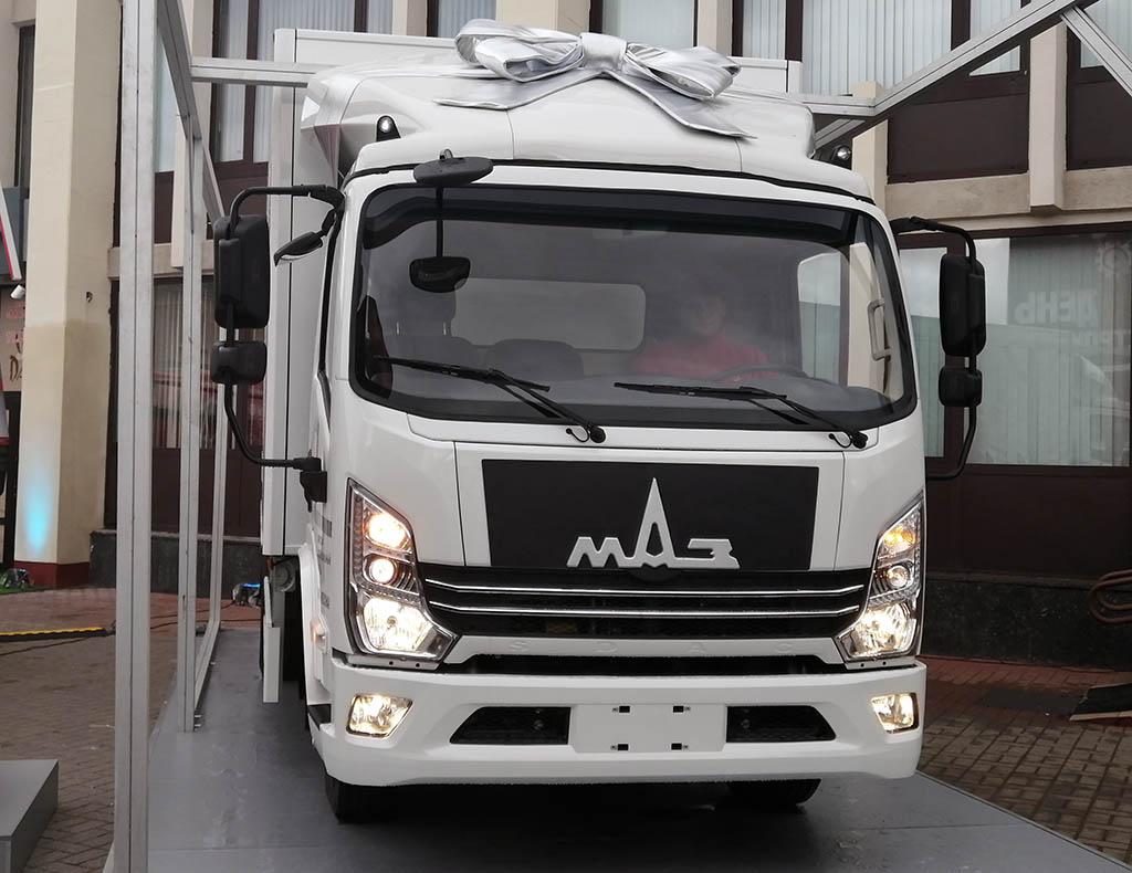 среднетоннажный грузовик МАЗ-365120_1