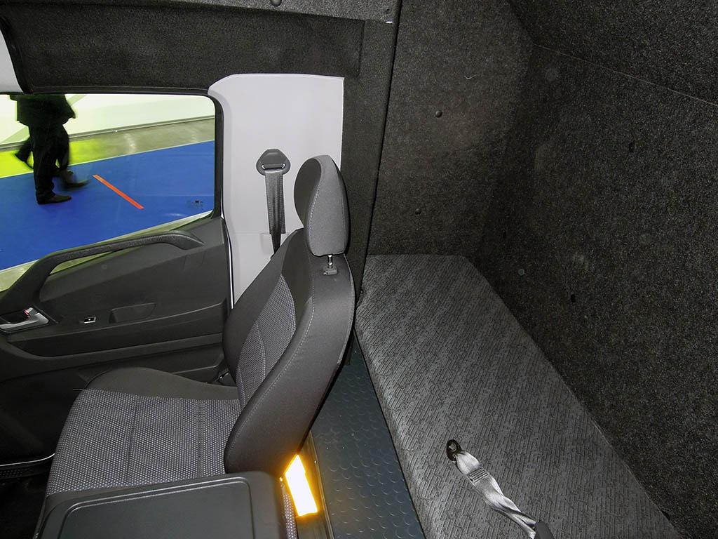 Hyundai Mighty со спальным отсеком от Чайка-Сервис_2