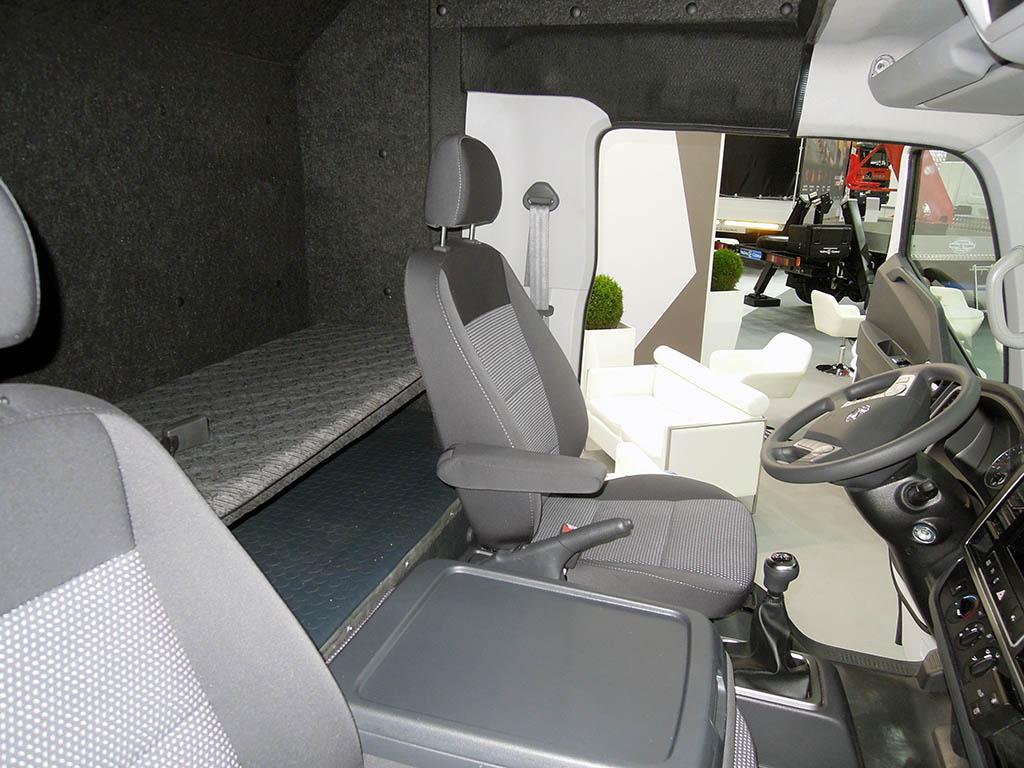 Hyundai Mighty со спальным отсеком от Чайка-Сервис_3