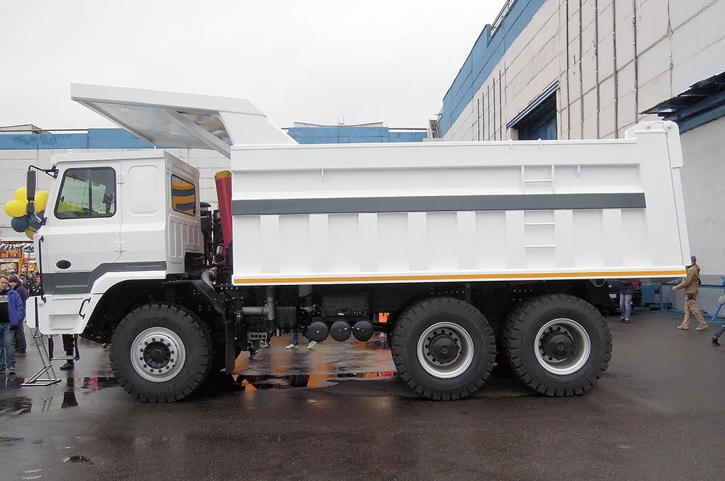 самосвал-рудовоз БелАЗ-75520