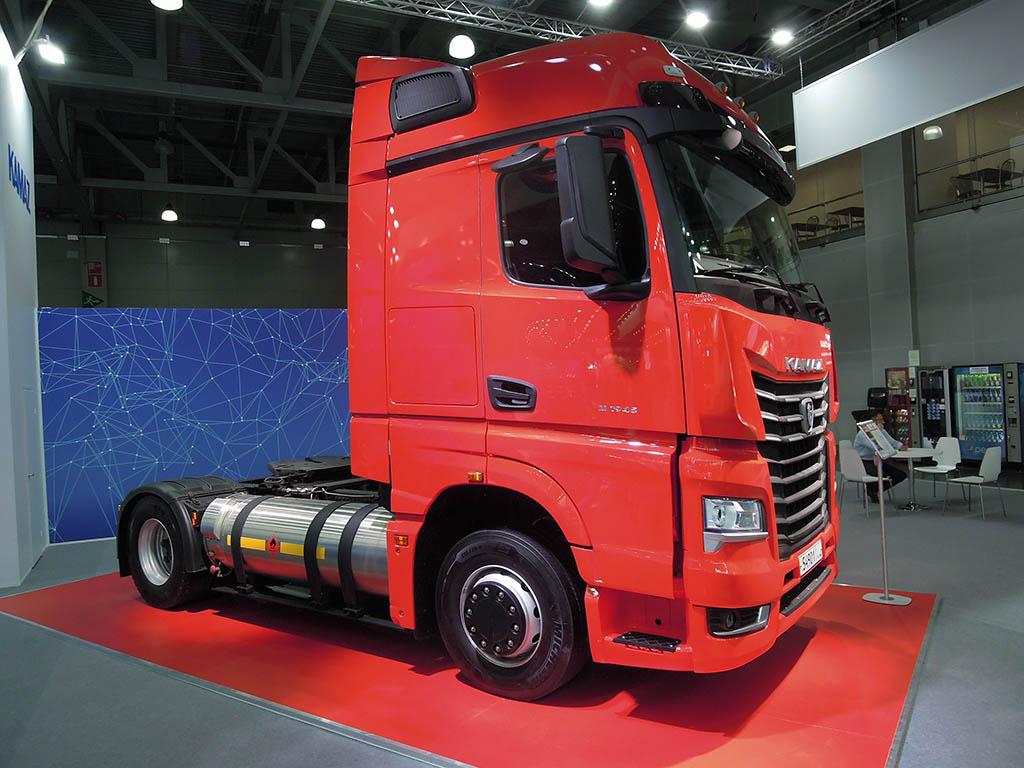 Газовый седельный тягач КАМАЗ-54901