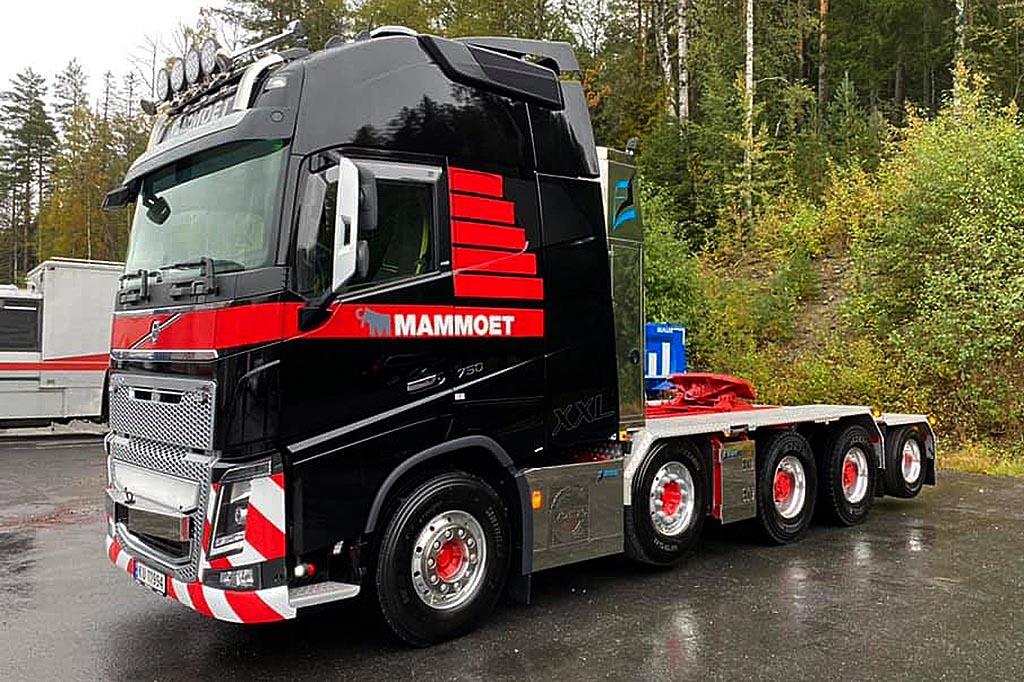 седельный тягач Volvo FH16 750 10х4 Globetrotter XXL